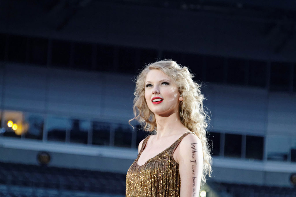 Taylor+Swift+Speak+Now+Concert+at+Heinz+Field