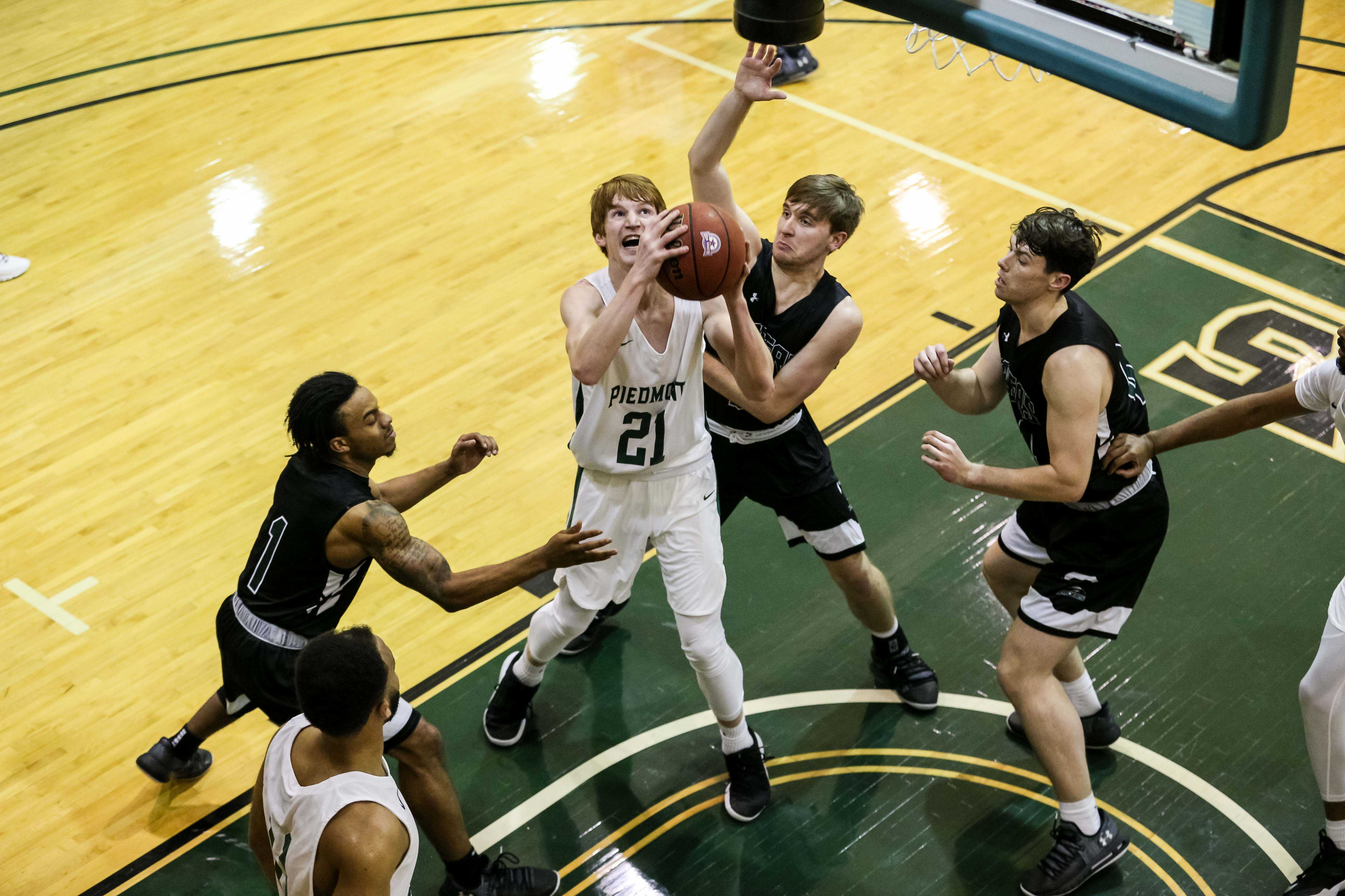 Piedmont College MBB.  (Photo: Karl L. Moore)
