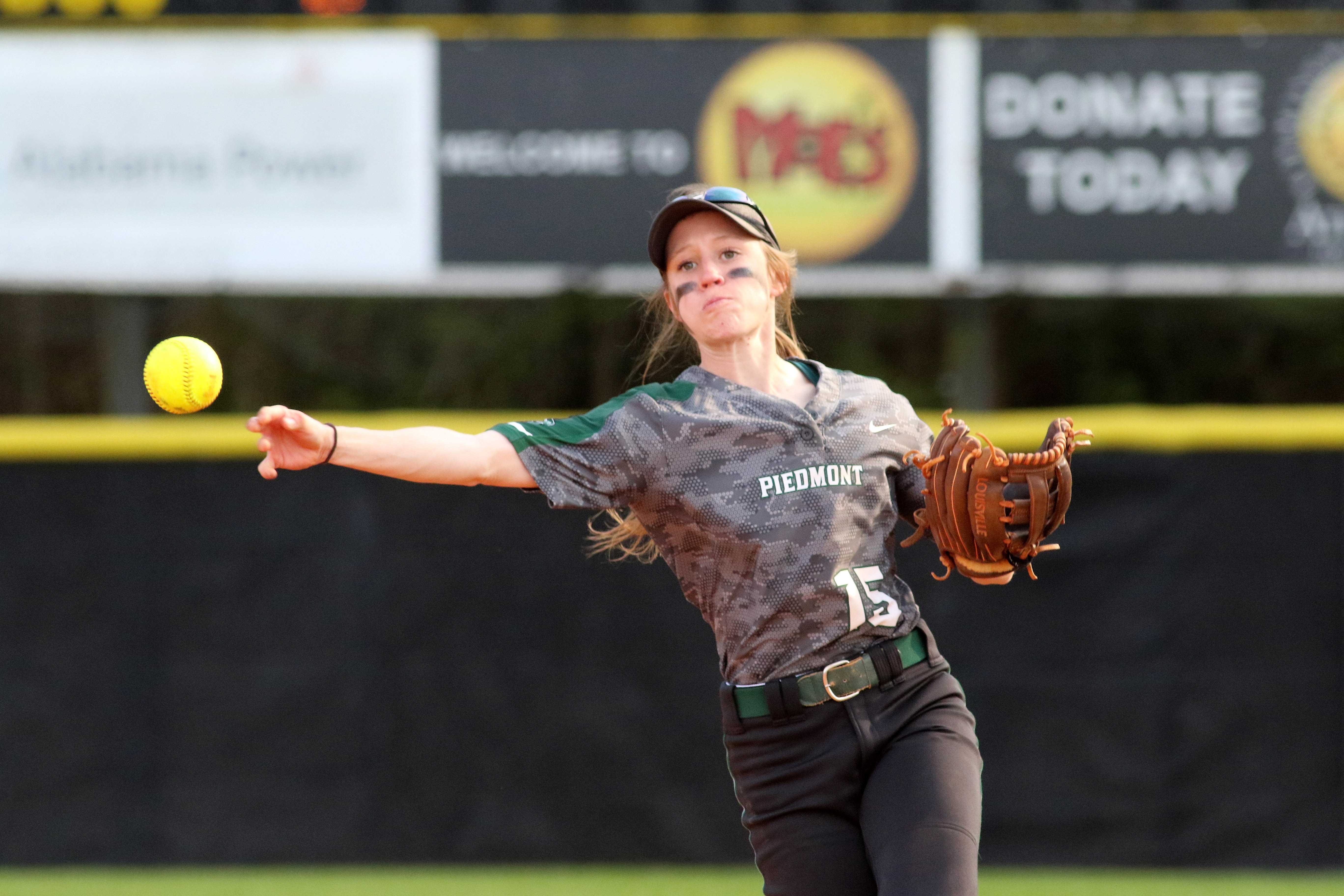 Softball Looks to Close Out Strong
